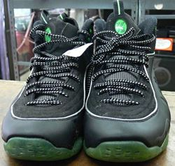Picture of NIKE 1/2 CENT SIZE 8 SNEAKER WITH