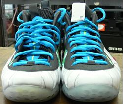 Picture of NIKE AIR FOAMPOSITE ONE PRM SIZE 8.5 SNEAKER