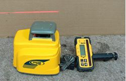 Picture of Spectra LL400 Rotary Laser Level W/ APACHE STORM RECEIVER