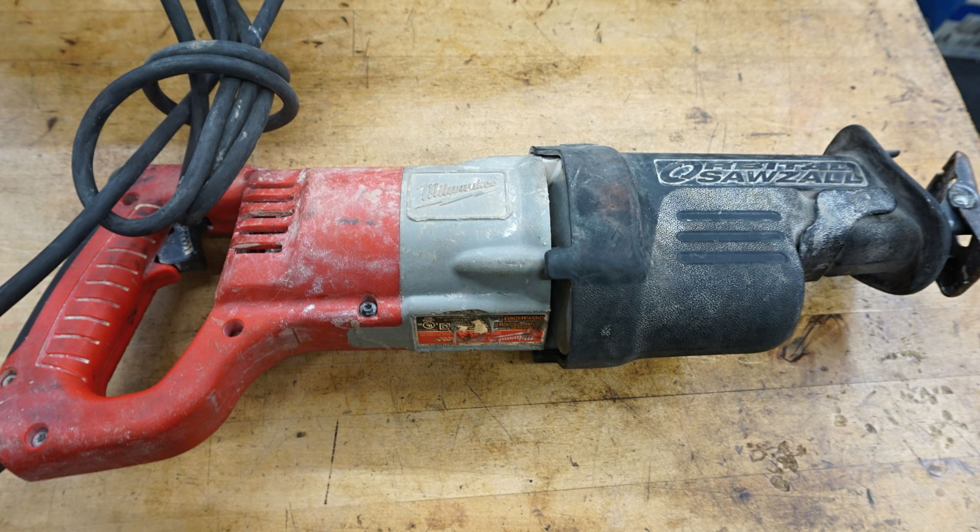 Milwaukee 6520 21 >> Cash Usa Pawnshop Milwaukee Sawzall 6520 21